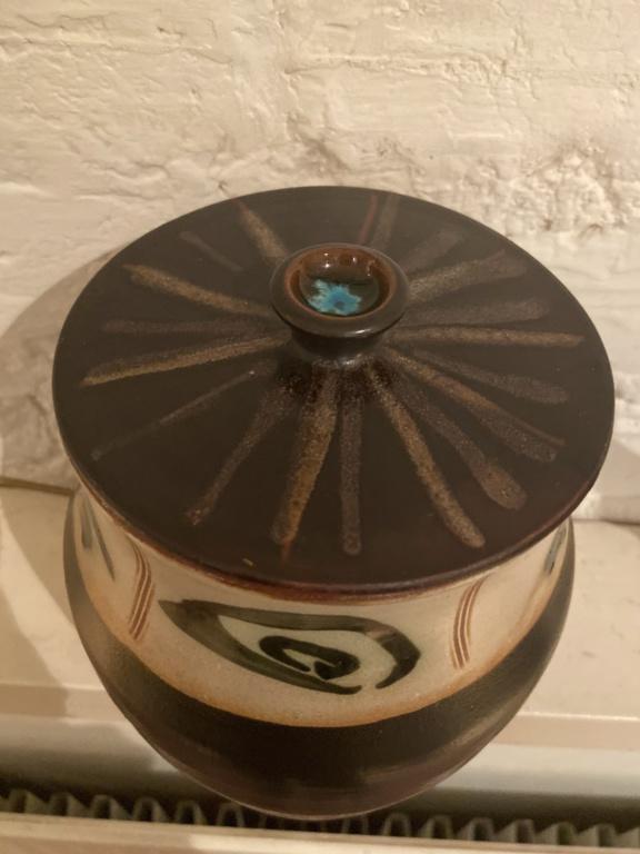 LD mark lidded Jar, David Leach? 532aeb10