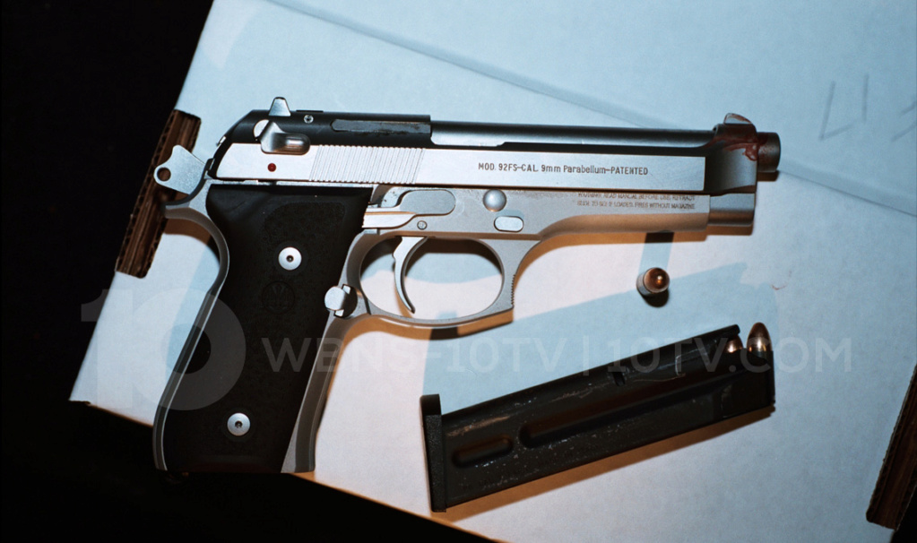 Photo's of mass murderer's weapons - Page 5 Dimeba10