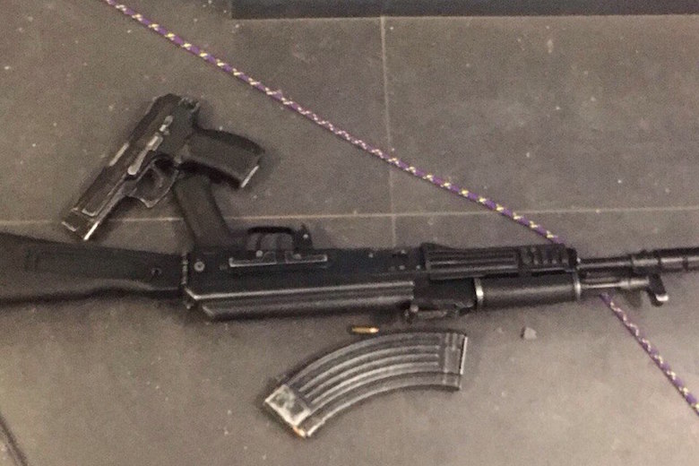 Photo's of mass murderer's weapons - Page 5 O2irwx10