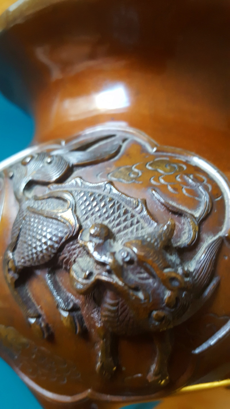 vase d'autel aux animaux mythiques 20190925