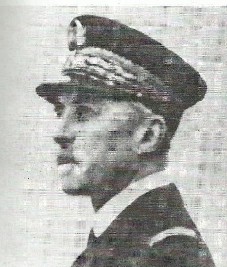 TOULON sabordage de la flotte française le 27.11.1942 Am_de_10