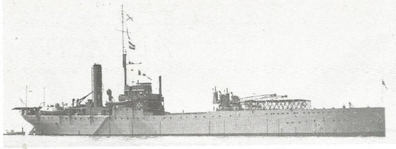 Petite histroire des porte-avions d'escorte - 1915-1945 Ark_ro10