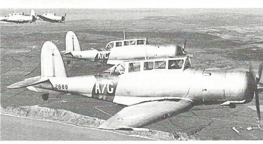 Grande histoire des porte-avions de combat - Page 2 Blackb10