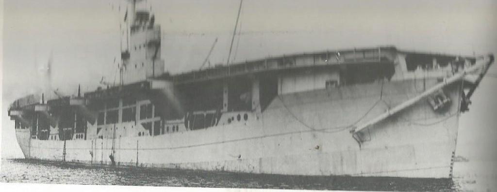 Petite histroire des porte-avions d'escorte - 1915-1945 - Page 11 Hms_ra10