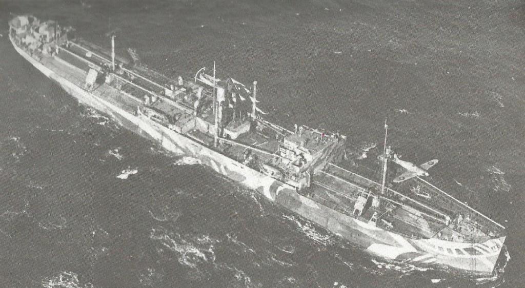 Petite histroire des porte-avions d'escorte - 1915-1945 - Page 4 Hurric12