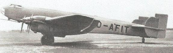 Petite histroire des porte-avions d'escorte - 1915-1945 - Page 2 Ju_89_10