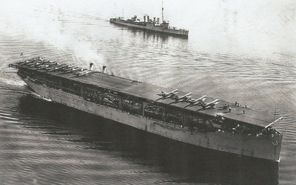 Grande histoire des porte-avions de combat Langle11