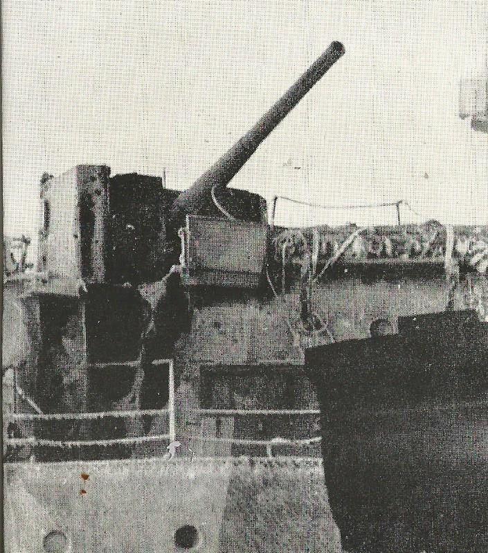 Importantes batailles navales en 1939-1945 - Page 3 Tourel11