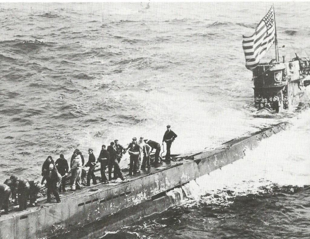 Petite histroire des porte-avions d'escorte - 1915-1945 - Page 13 U_505_10