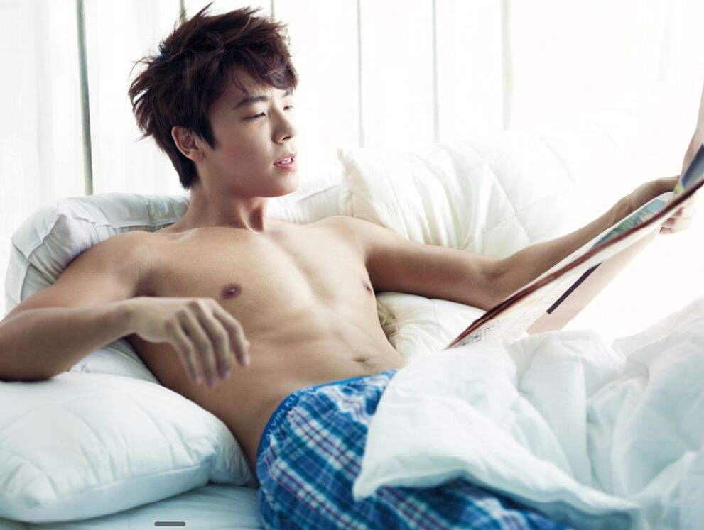 1209 [CECI Magazine] Donghae ▶️  Korea CECI Magazine Official Pictures  Dd33a410
