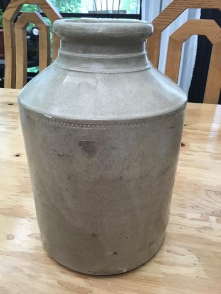 light grey id pottery pls Img_6523