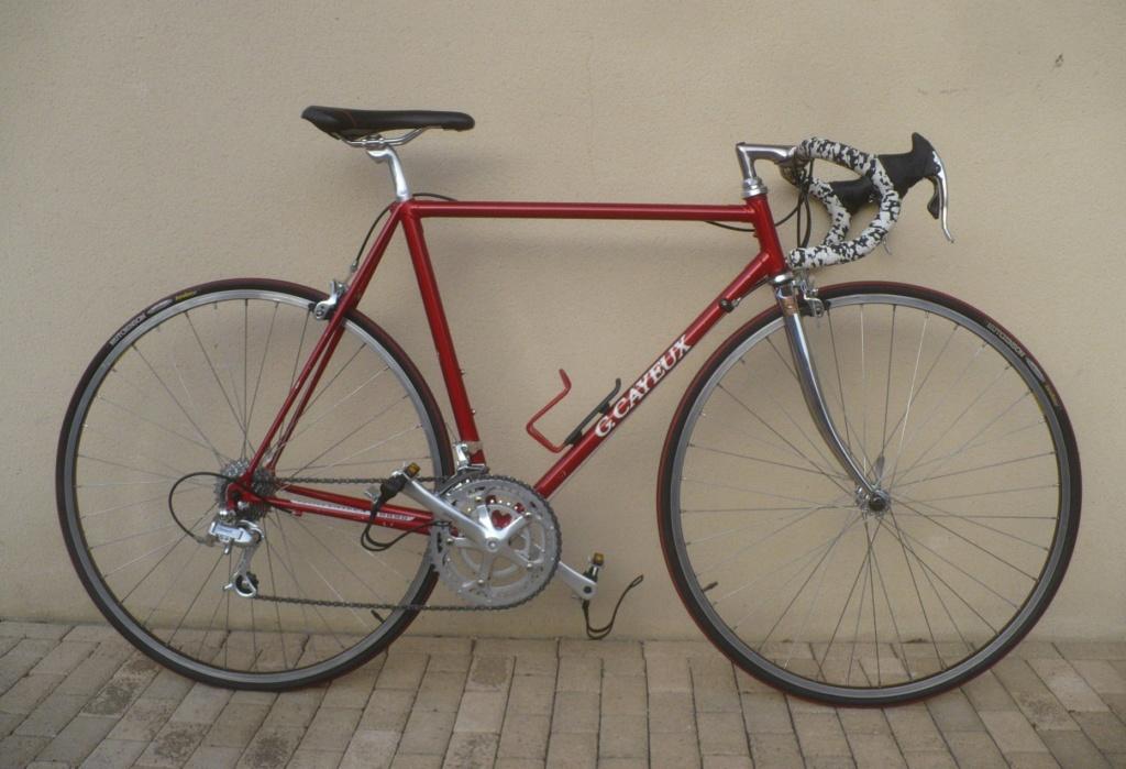 Un vélo mystérieux... Mais beau!!  .... Mais mystérieux  - Cadre G. Cayeux Colmar Columbus Shimano 39296910