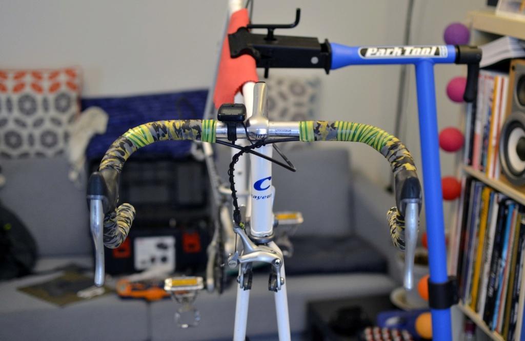 Un vélo mystérieux... Mais beau!!  .... Mais mystérieux  - Cadre G. Cayeux Colmar Columbus Shimano _dsc0312