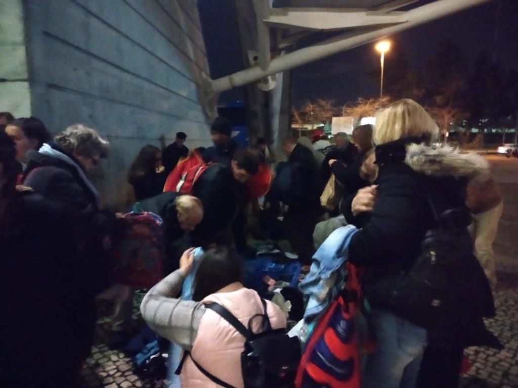 Acção de solidariedade com os sem-abrigo em Lisboa Img-2011