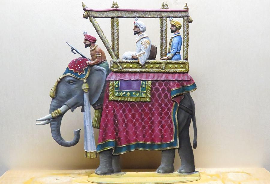 Maharadscha mit Elefant [Knut]  Ele910