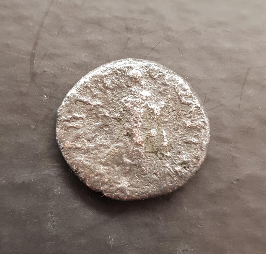 Alguien puede ayudar con esta moneda? 20200510