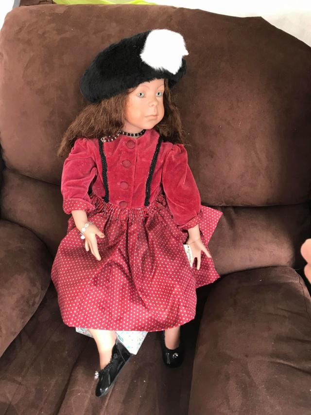 V: nombreuses poupées modernes en porcelaine - uniques Rouge_13