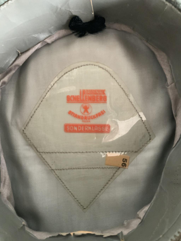 Recherche d'informations sur une casquette Wehrmacht    D0eb1110