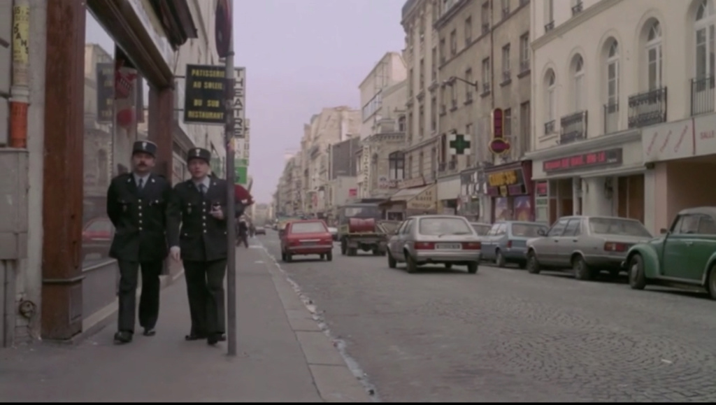FIAT 131 Berlina vista nel film francese «  Pinot Simple Flic » del 1984 5c718e10