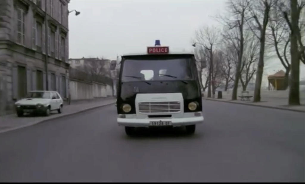 FIAT 131 Berlina vista nel film francese « Pinot Simple Flic» del 1984 894bae10