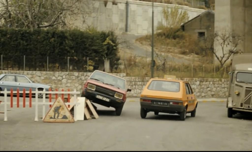 FIAT 131 Supermirafiori vs Peugeot 504. Jean-Paul Belmondo, Le Professionnel, 1981. Joss Il Professionista, 1981 Ff220f10