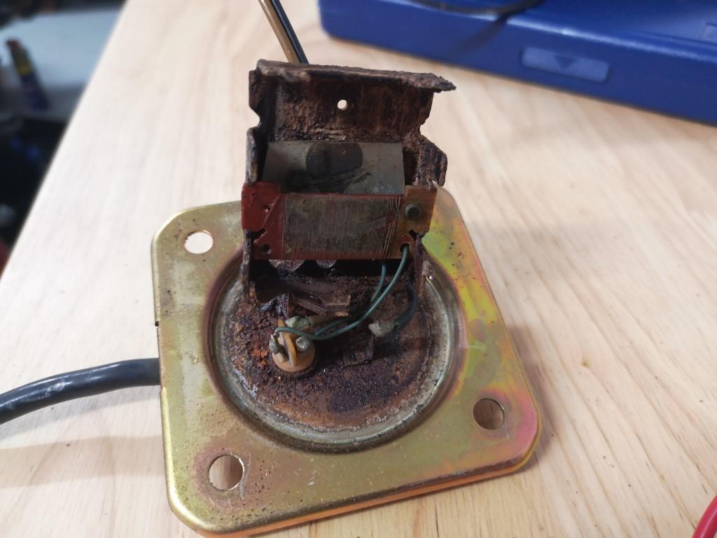 Cheap repair for fuel sender - Am I an idiot? Img_2010