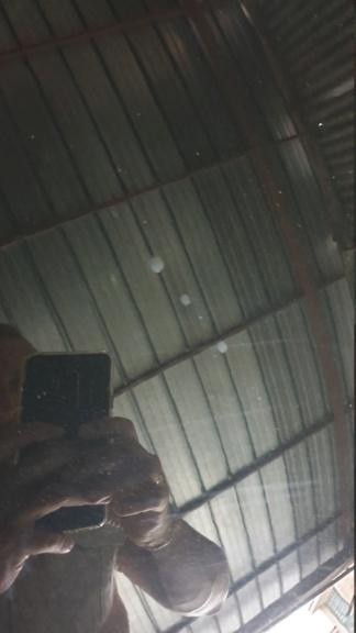 gocce bianche irremovibili  sul profilo in alluminio 15938711
