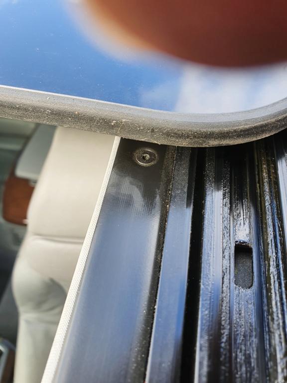 [résolu][ BMW E66 740LI an 2006 ] Infiltration d'eau venant de l'écoulement du toit ouvrant(Résolu) 20201012
