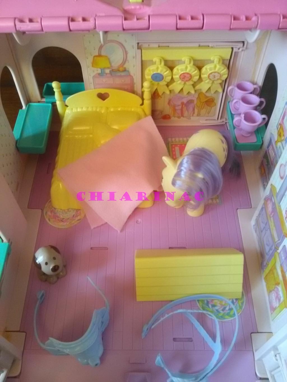 Vendo lotto Mio Mini Pony / My Little Pony Generazione 1 (G1) Gig Hasbro anni '80 (due playset e otto pony, anche rari; tutto supercompleto!) Img_2119