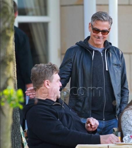 Photo: George Clooney holds BBQ and left Germany today Bbq_1010