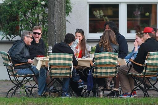 Photo: George Clooney holds BBQ and left Germany today Bbq_410