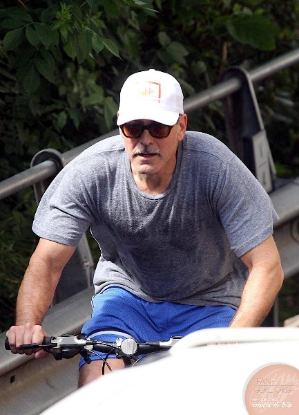 George Clooney's bicycle ride in Como - and his little ass! Donkey19
