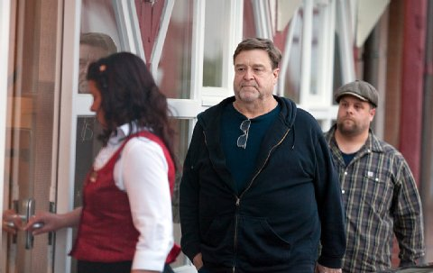 Photos: George Clooney filming in Ilsenburg, Germany Ilsenb11