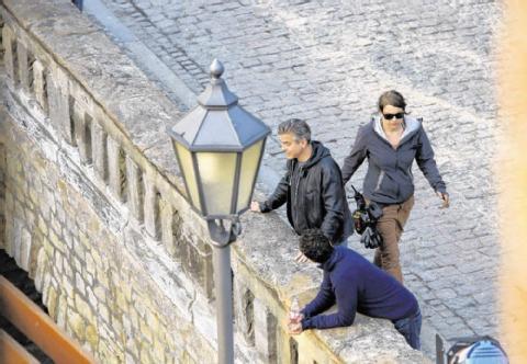 Photos and videos: George Clooney filming in Merseburg Merseb12