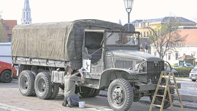 Photos and videos: George Clooney filming in Merseburg Merseb15