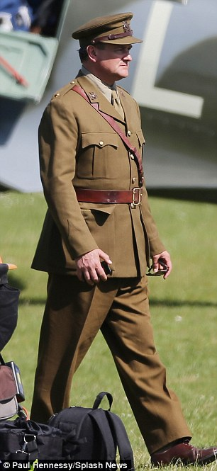 George Clooney filming Monuments Men in Hertfordshire June 3 Mm_clo12