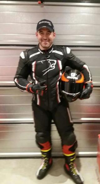 Question : Look Urbain ou look Cosmonaute pour ceux qui roulent à moto sur route? 29695010