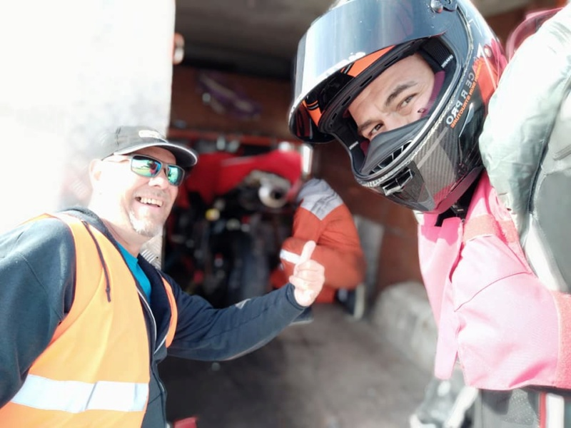 Chute au circuit de LEDENON : Déclenchement du Gilet Airbag et impact : Merci à mon matériel de protection !!! 56737211