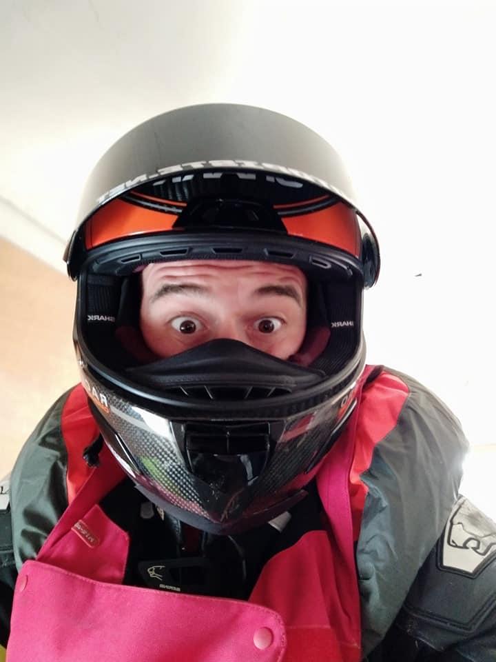 Chute au circuit de LEDENON : Déclenchement du Gilet Airbag et impact : Merci à mon matériel de protection !!! 56899710