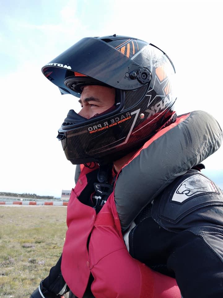 Chute au circuit de LEDENON : Déclenchement du Gilet Airbag et impact : Merci à mon matériel de protection !!! 56985311