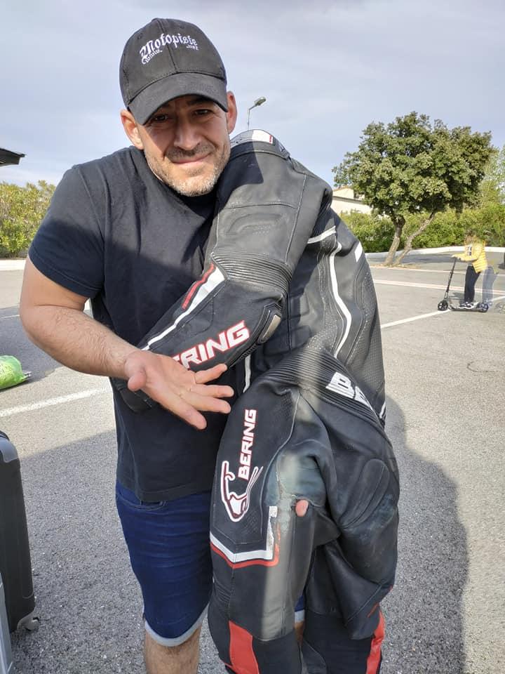 Chute au circuit de LEDENON : Déclenchement du Gilet Airbag et impact : Merci à mon matériel de protection !!! 57258211