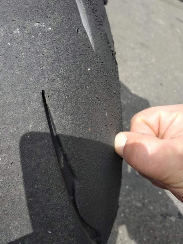Essai Bridgestone BATTLAX RACING R11 58380010