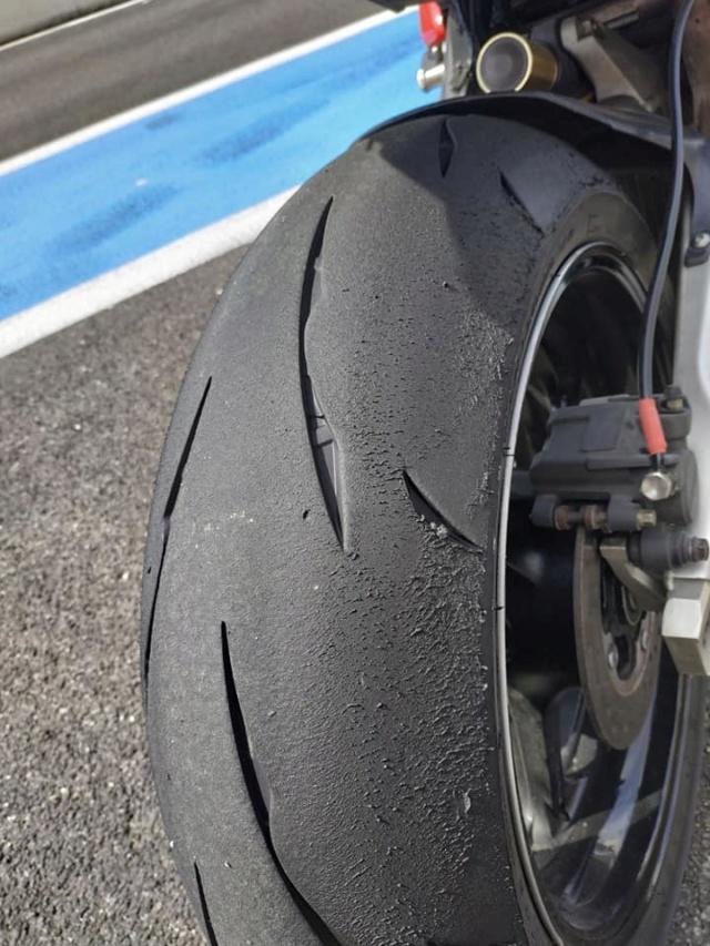 Essai Bridgestone BATTLAX RACING R11 58462411