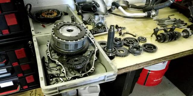 Problème bruit moteur CBR 1000 année 2009 - Page 2 62158710