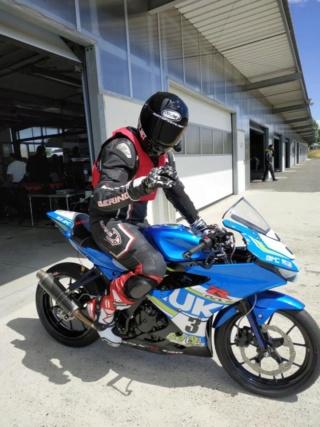 Gants Racing Bering SNIP-R, l'essai sur route et circuit par Motopiste.net 65315514