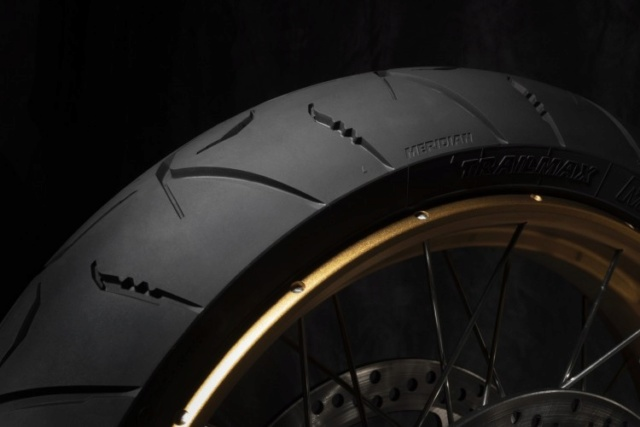Pour les motards qui roulent en Trail, sortie du nouveau Dunlop Trailmax MERIDIAN 800_du10