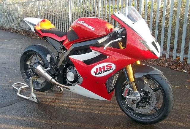 SV 650 piste - Style moto2 8d112710