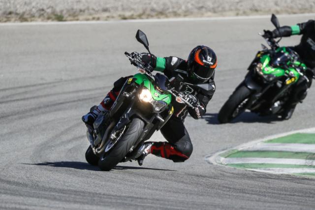 Présentation du Nouveau Dunlop SPORTSMART MK3 en ESPAGNE : Motopiste y était ! Ak4i7110