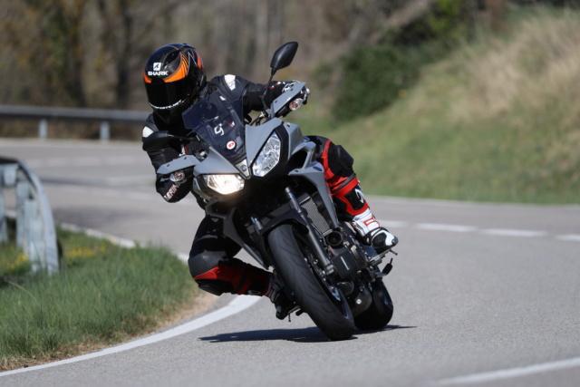Présentation du Nouveau Dunlop SPORTSMART MK3 en ESPAGNE : Motopiste y était ! Ak4i9910