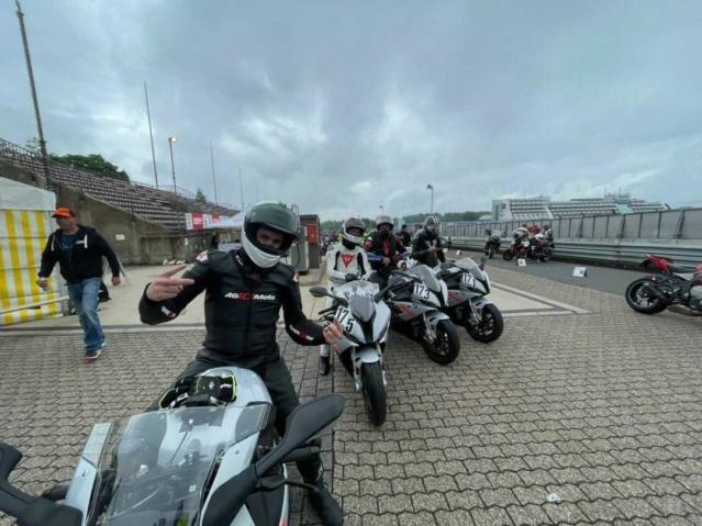 [EXPERIENCE] Roulage S1000RR  au Nurburgring avec METZELER : pluie pluie pluie !!! Mais incroyable !!! Img_1141